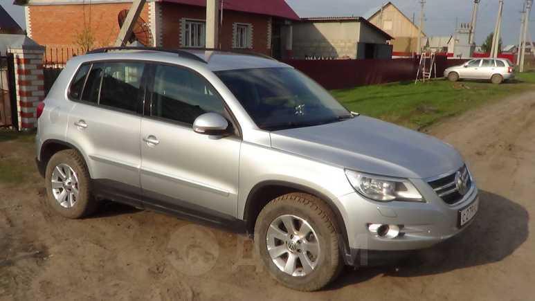 Volkswagen Tiguan, 2009 год, 870 000 руб.
