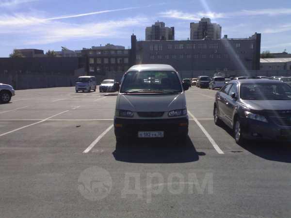 Mitsubishi Delica, 2001 год, 600 000 руб.