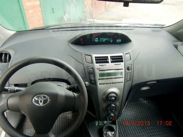 Toyota Yaris, 2009 год, 385 000 руб.