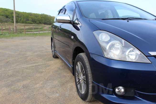 Toyota Wish, 2003 год, 440 000 руб.