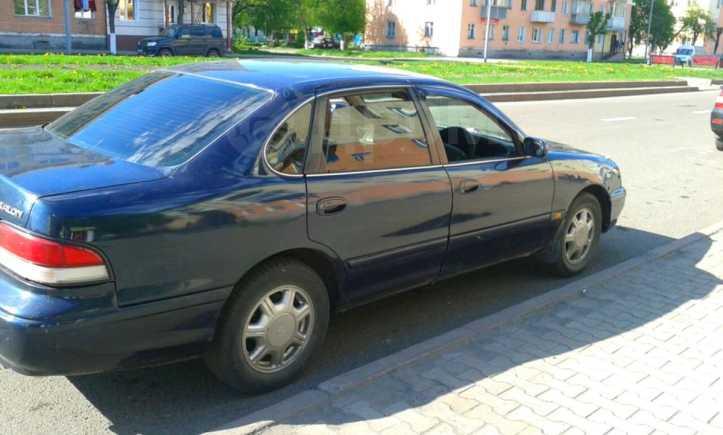 Toyota Avalon, 1996 год, 196 000 руб.