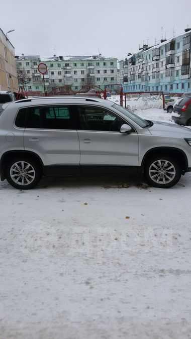 Volkswagen Tiguan, 2012 год, 1 200 000 руб.