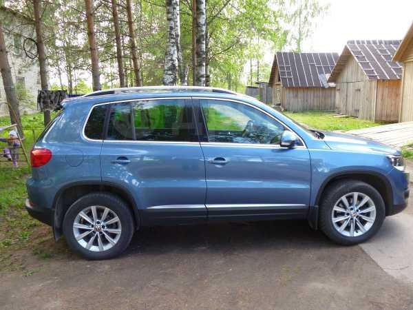 Volkswagen Tiguan, 2012 год, 1 090 000 руб.