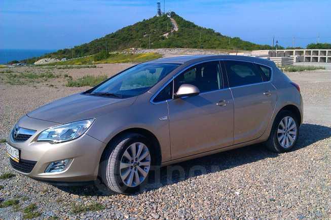 Opel Astra, 2012 год, 699 000 руб.