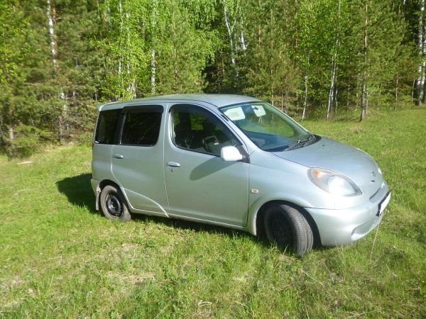 Toyota Funcargo, 2002 год, 200 000 руб.