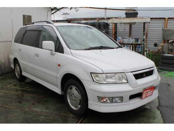 Mitsubishi Chariot Grandis, 2001 год, 160 000 руб.