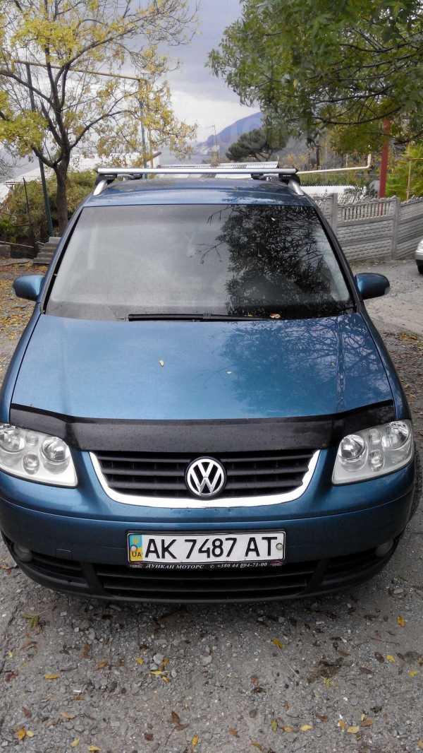 Volkswagen Touran, 2004 год, $8000