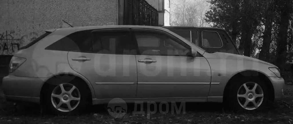 Toyota Altezza, 2002 год, 385 000 руб.