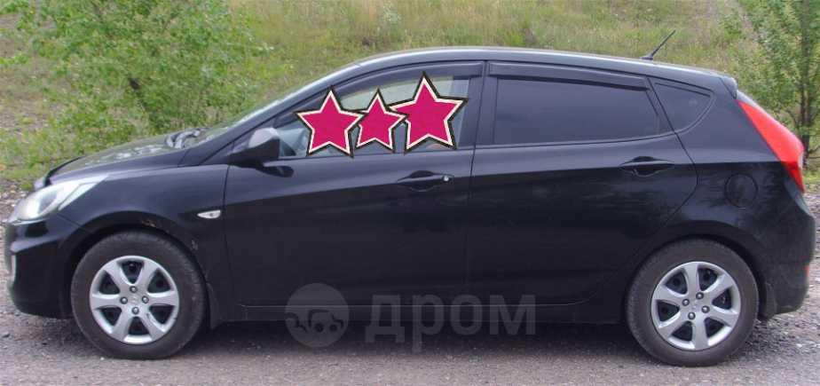 Hyundai Solaris, 2011 год, 299 000 руб.