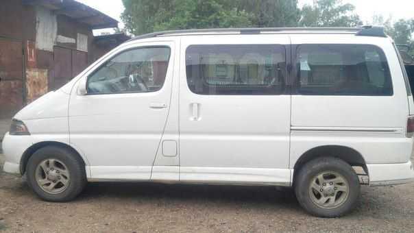 Toyota Hiace Regius, 2000 год, 365 000 руб.