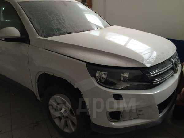 Volkswagen Tiguan, 2012 год, 570 000 руб.