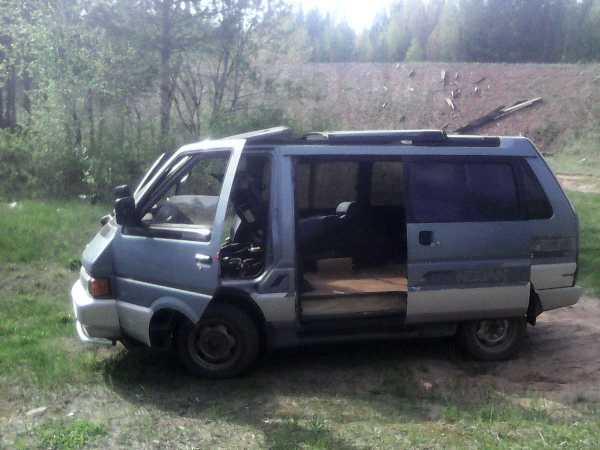 Nissan Largo, 1993 год, 100 000 руб.