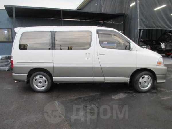 Toyota Grand Hiace, 2001 год, 240 000 руб.