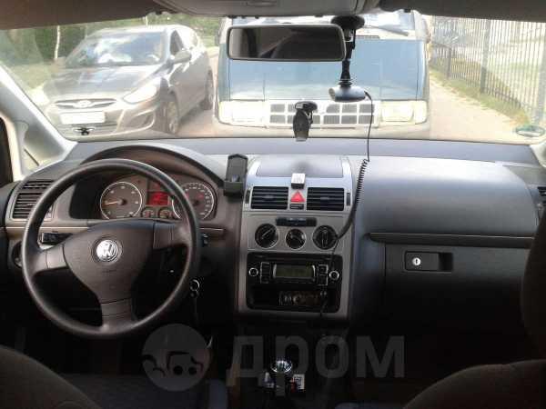 Volkswagen Touran, 2009 год, 550 000 руб.