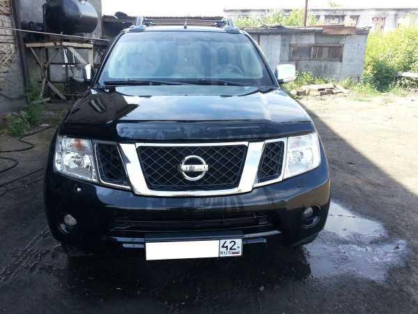 Nissan Navara, 2010 год, 1 090 000 руб.