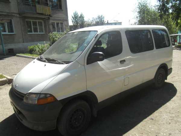 Toyota Hiace, 1997 год, 325 000 руб.