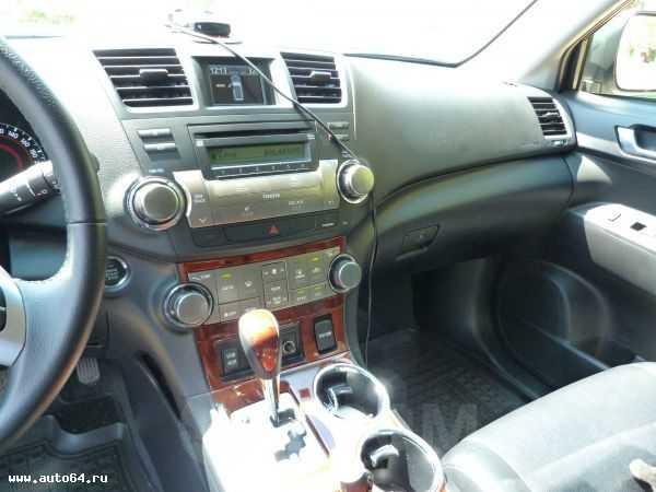 Toyota Highlander, 2012 год, 1 780 000 руб.