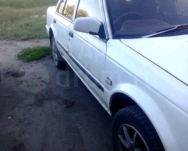 Nissan Bluebird, 1986 год, 90 000 руб.