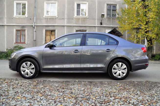Volkswagen Jetta, 2011 год, 660 000 руб.