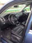 Volkswagen Tiguan, 2010 год, 700 000 руб.