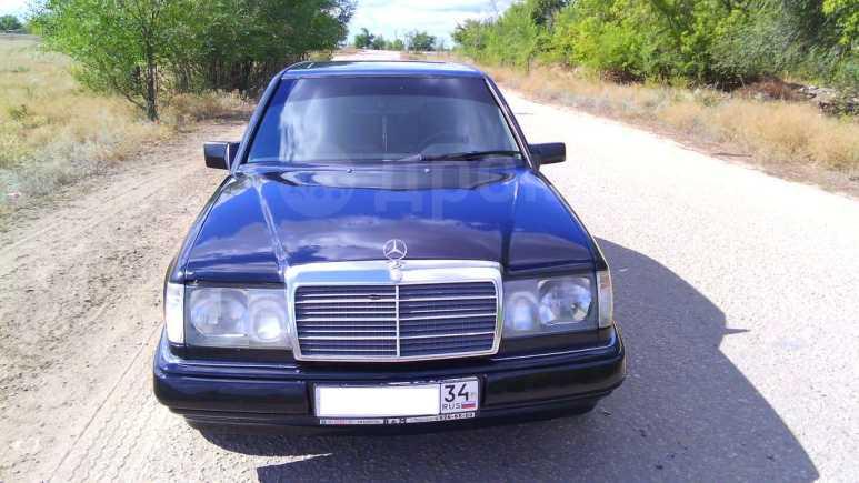Mercedes-Benz E-Class, 1988 год, 130 000 руб.