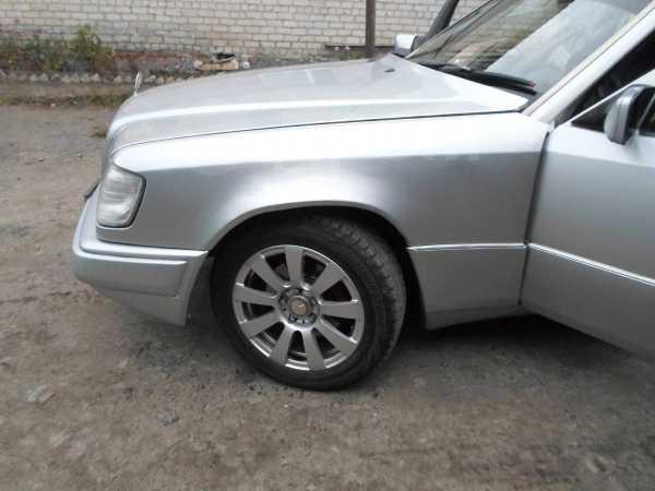 Mercedes-Benz E-Class, 1993 год, 220 000 руб.