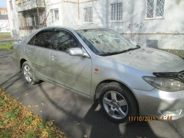 Toyota Camry, 2004 год, 560 000 руб.