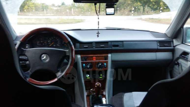 Mercedes-Benz E-Class, 1992 год, 170 000 руб.