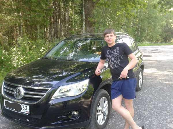 Volkswagen Tiguan, 2011 год, 745 000 руб.