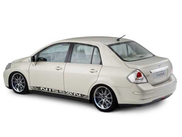 Toyota Funcargo, 1999 год, 215 000 руб.