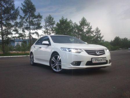 Honda Accord 2011 - отзыв владельца