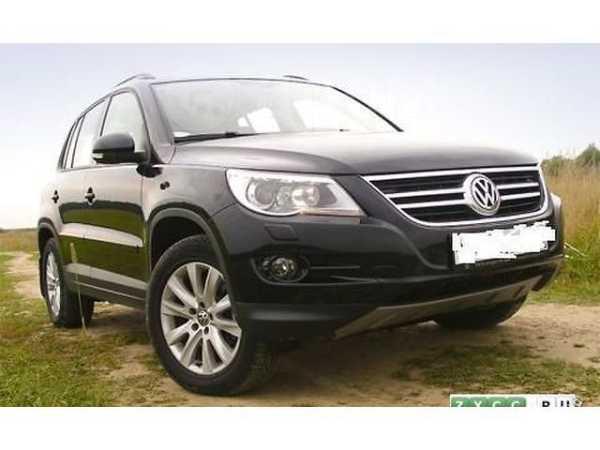 Volkswagen Tiguan, 2009 год, 800 000 руб.