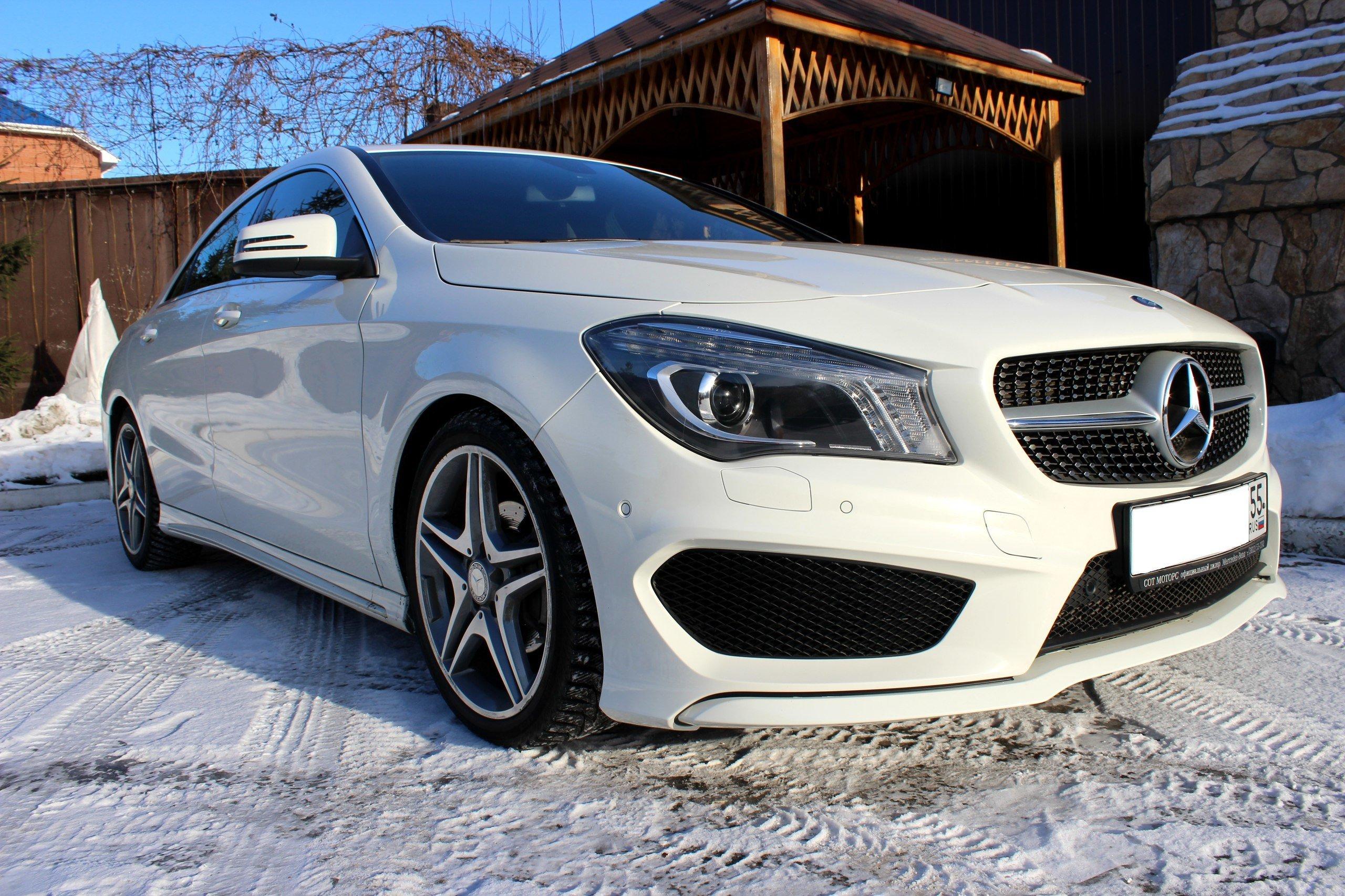 Mercedes benz cla class 2013 1 6 for Mercedes benz cla vs c class
