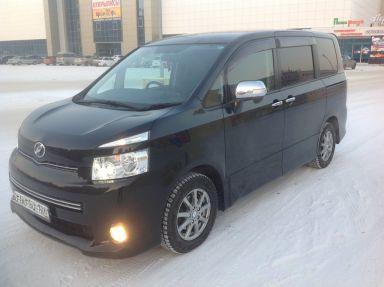 Toyota Voxy 2009 отзыв автора | Дата публикации 01.12.2015.