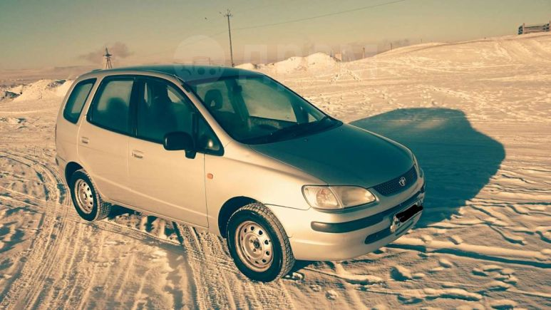 Toyota Corolla Spacio, 1998 год, 210 000 руб.