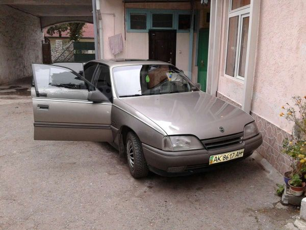 Opel Omega, 1987 год, 90 000 руб.