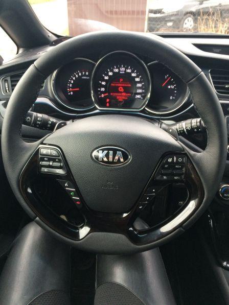 Kia ProCeed 2013 - отзыв владельца