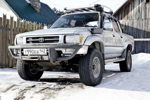 Toyota Hilux Pick Up 1992 - отзыв владельца