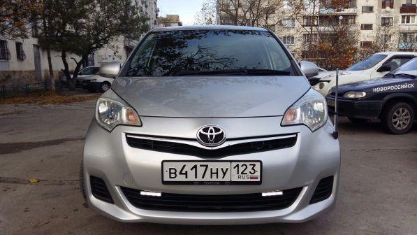 Toyota Ractis 2010 - отзыв владельца