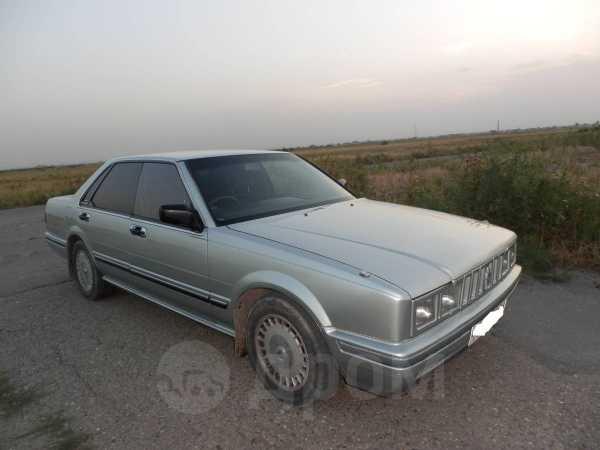 Nissan Cedric, 1988 год, 180 000 руб.