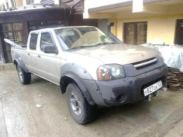 Nissan Frontier, 2003 год, 450 000 руб.