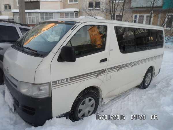 Toyota Hiace, 2006 год, 699 000 руб.