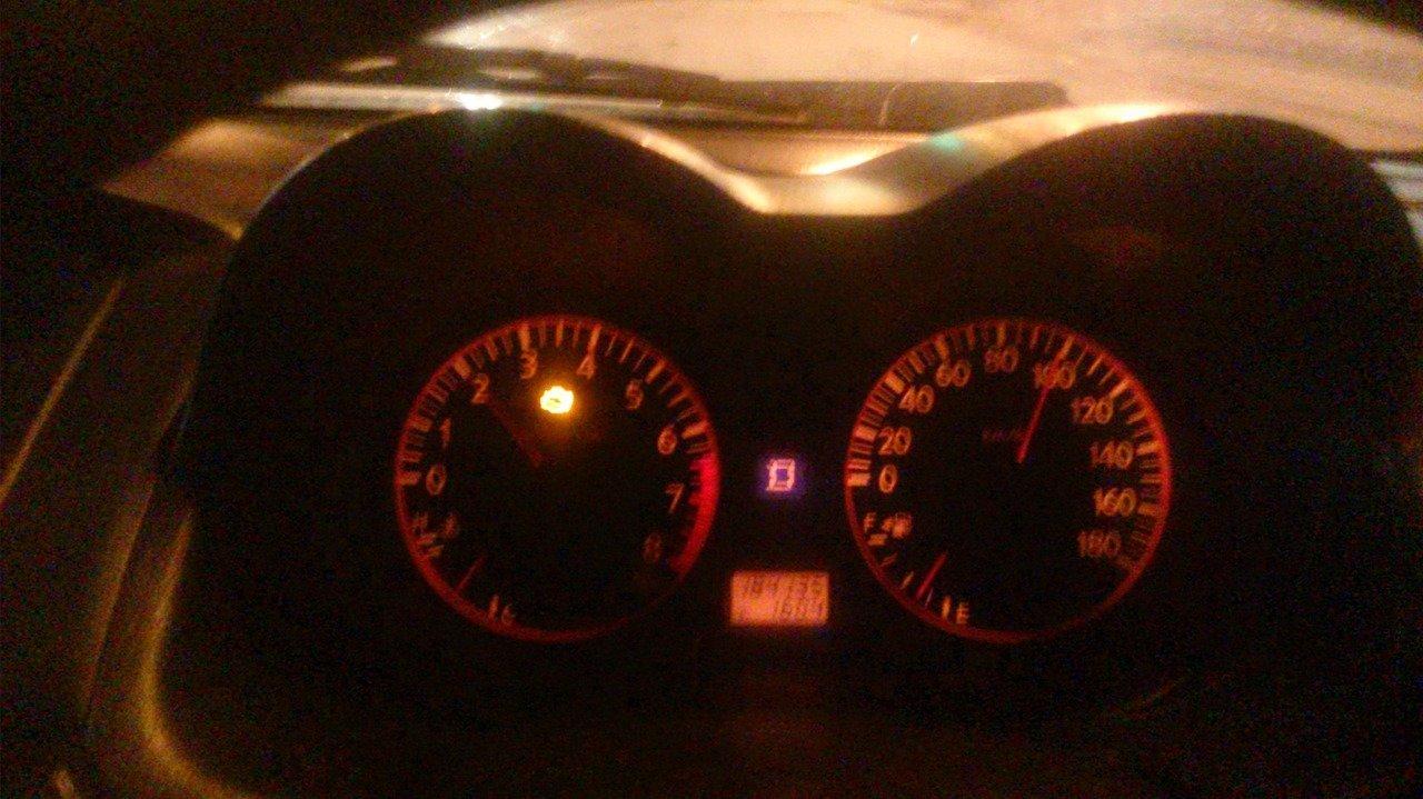 2000 оборотов и 100 км/ч.