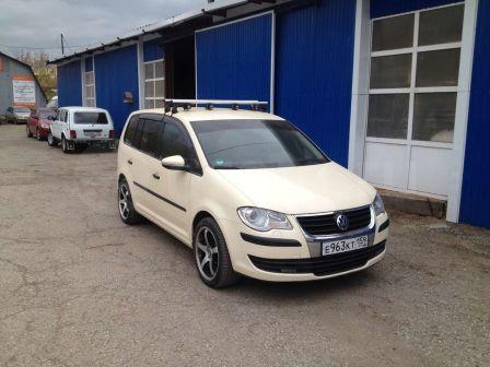 Volkswagen Touran 2009 - отзыв владельца