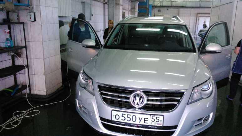 Volkswagen Tiguan, 2010 год, 800 000 руб.