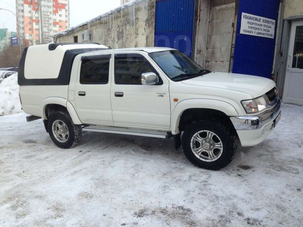 Toyota Hilux Pick Up, 2005 год, 650 000 руб.