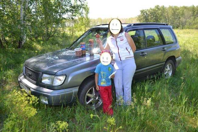 Subaru Forester, 1998 год, 270 000 руб.