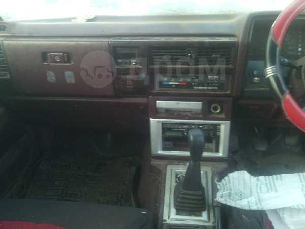 Nissan Laurel, 1988 год, 43 000 руб.
