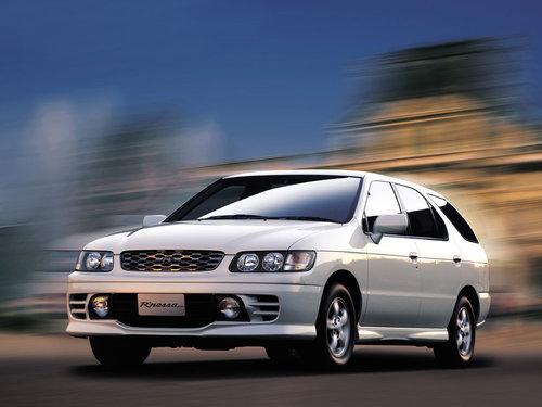 Nissan R'nessa 2000 - 2001