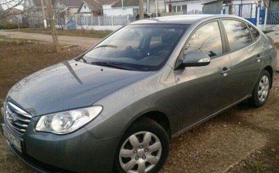Hyundai Elantra 2010 - отзыв владельца